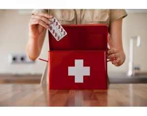 article-new-intro-modal-ehow-images-a03-7g-8n-create-home-first-aid-kit-800x800